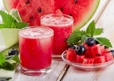 Receita de Suco de Melancia Refrescante - Suco-de-melancia-refrescante-380x272
