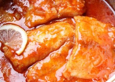 Receita de Peixe ao Molho de Tomates - Peixe-ao-molho-de-tomates-380x271