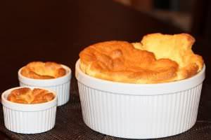 Receita de Suflês de Queijo (Duas opções) - sufles-de-queijo-duas-opcoes