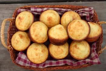 Receita de Broinhas de Milho com Coco - broinhas-de-milho-com-coco