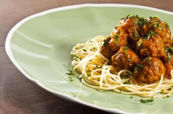 Receita de Espaguete com Polpetones Recheados