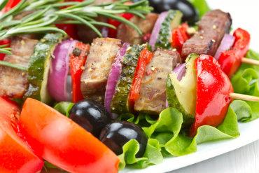Receita de Espetinhos de Carne com Legumes - espetinhos-de-carne-com-legumes