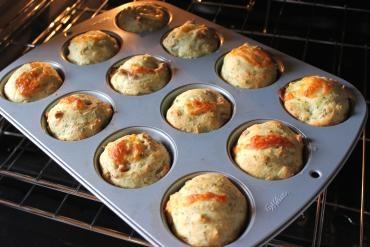 Receita de Muffin de Queijo e Bacon - Muffindequeijoebacon_zpsc041df86