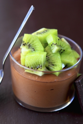Receita de Mousse de Chocolate Light com Kiwi - mousse-de-chocolate-light-com-kiwi