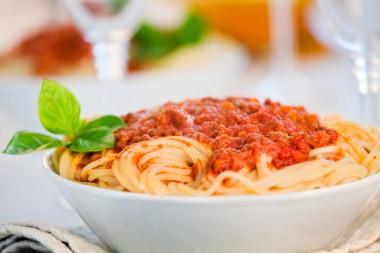 Receita de Espaguete à Bolonhesa - Espaguete-à-bolonhesa-380x253