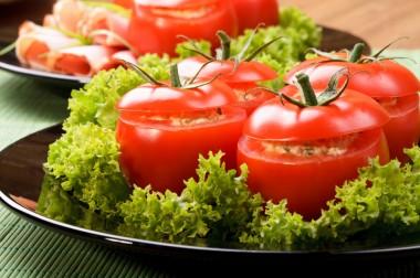 Receita de Tomate Recheado - Tomate-recheado-380x252