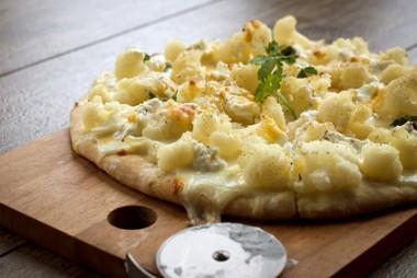 Pizza with Mozzarella and a cauliflower