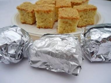 Receita de Bolo Úmido e Gelado de Amendoim - Bolo-umido-e-gelado-de-amendoim-3-380x285