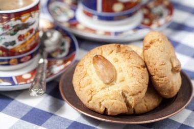 Receita de Biscoito Crocante de Amêndoas  - Biscoito-crocante-de-amêndoas-380x253