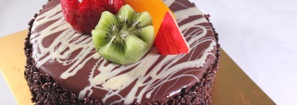 Bolo Brigadeiro com Frutas