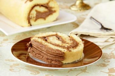 Receita de Rocambole de Doce de leite com Chocolate - Rocambole-de-doce-de-leite-com-chocolate-380x253