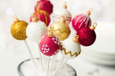 Receita de Cake Pops de Natal - Cake-pops-de-Natal-380x253