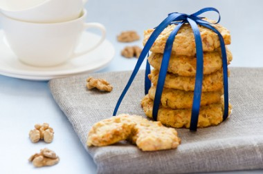 carrot cookies with walnuts
