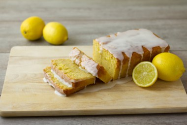 Receita de Bolo de Limão - Bolo-de-limão-380x254