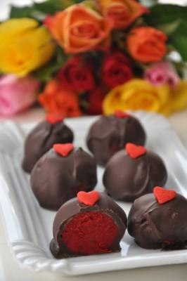 Receita de Red Velvet - Bombom ou Cake Pops - Red-Velvet-Bombom-ou-Cake-Pops--266x400