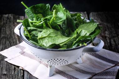 Receita de Salada de Espinafre com Creme - Salada-de-espinafre-com-creme-2-380x254