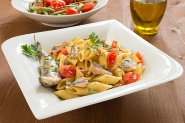 Receita de Salada de Macarrão com Sardinha - Salada-de-macarrão-com-sardinha-380x254