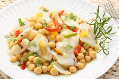 Receita de Salada de Grão-de-Bico com Bacalhau - Salada-de-grão-de-bico-com-bacalhau-380x254
