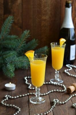Receita de Aperitivo de Champanhe e Enroladinhos de Caviar - Aperitivo-de-champanhe-e-enroladinhos-de-caviar-265x400
