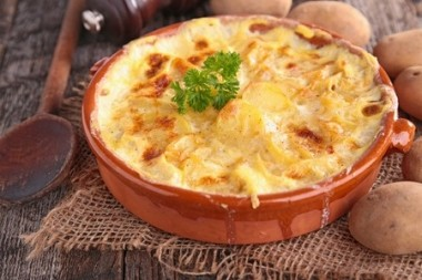 Receita de Batata Gratinada com Creme de Cebola - Batata-gratinada-com-creme-de-cebola-380x253