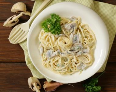 Receita de Espaguete com Molho de Cogumelo - Espaguete-com-molho-de-cogumelo-380x303