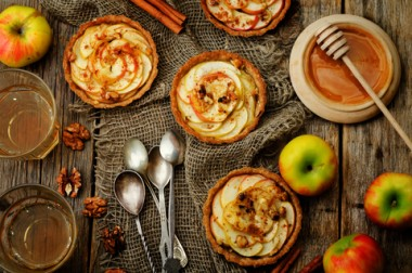 Receita de Tortinha de Maçã - Tortinha-de-maçã-380x252