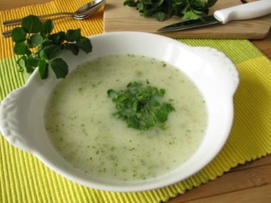Receita de Sopa de Agrião - Sopa-de-agrião-380x285