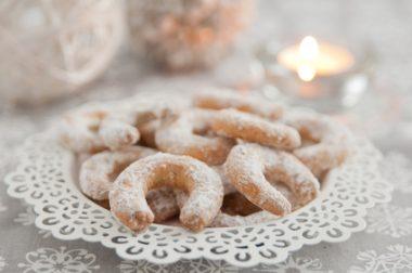 Receita de Biscoitos Alemães de Baunilha - Vanillekipferl - Biscoitos-Alemães-de-Baunilha-Vanillekipferl-380x252