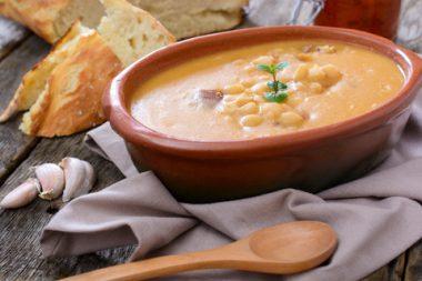 Receita de Sopa de Feijão Branco - Sopa-de-feijão-branco-380x253