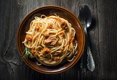 Receita de Espaguete de Atum - Espaguete-de-atum-380x259