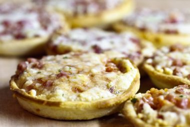 Receita de Minipizza de Frango - Minipizza-de-frango-380x253