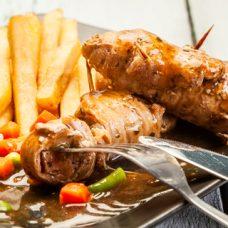 Rolê de Carne com Linguiça