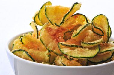 Receita de Chips de Abobrinha e de Banana - Chips-de-abobrinha-e-de-banana-380x253