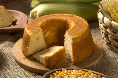 Receita de Bolo de Milho com Erva-doce - Bolo-de-milho-com-erva-doce-380x253