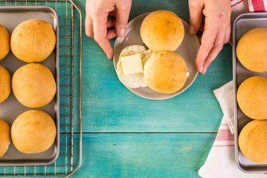 Receita de Pãozinho Caseiro - Pãozinho-caseirojpg-380x253