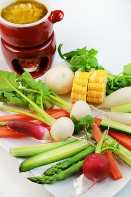 Receita de Bagna Cauda com Legumes - Bagna-cauda-com-legumes-267x400
