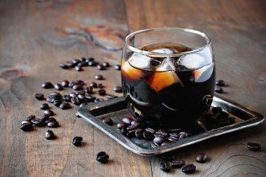 Receita de Coquetel de Café, Escocês e de Gim - Coquetel-de-Café-Escocês-e-de-Gim-380x253