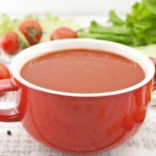 Caldo de Tomate com Carne Desfiada